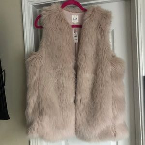 NWT Gap pink faux fur vest XL